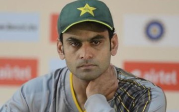 Mohammad Hafeez guides Pakistan to T20 victory over India